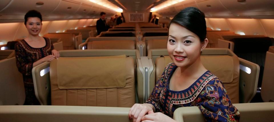 Flugbegleiter In Singapur London Und Paris Drei Frisuren Zur Wahl