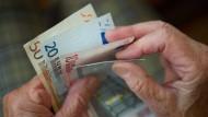 Einmal durchzählen, bitte: Wie viel Rente wird es 2017 sein?