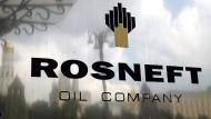 Verkauft Putin riesige Öl-Anteile an China und Indien?