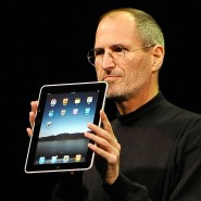 Leicht und elegant: Steve Jobs stellte 2010 das iPad vor.