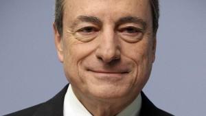 EZB-Präsident stellt neue Anleihekäufe und niedrigere Zinsen in Aussicht