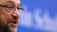 Schulz: Griechenland braucht schnell bis zu drei Milliarden Euro