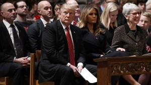 Trump knöpft sich die Notenbank an Heiligabend vor
