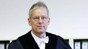 Richter verschiebt Urteil gegen Fitschen