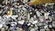 Schrott oder Schatz: In jedem Handy stecken Gold und Platin