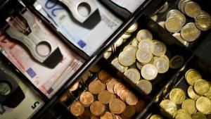 Im Kampf gegen das Schwarzgeld sollen alle büßen