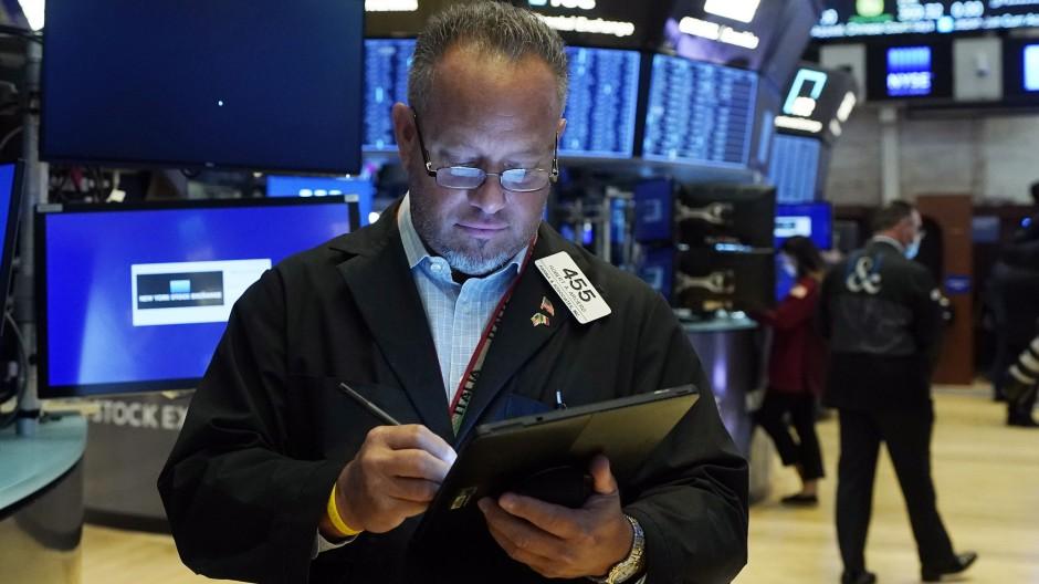 Börsenhändler in New York: Die Anleger blicken gespannt auf die Inflationsentwicklung.