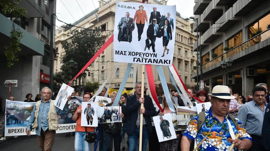 Immer noch wird in Athen regelmäßig gegen Sparmaßnahmen protestiert.
