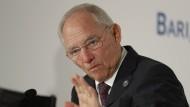 Schäuble bekräftigt Vergleich von Flüchtlingen mit Lawine