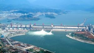 Drei-Schluchten-Staudamm erzielt Weltrekord bei Stromproduktion