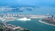 Der Drei-Schluchten-Staudamm, hier noch in der Bauphase im Jahr 2006, hat nun einen Weltrekord erzielt.