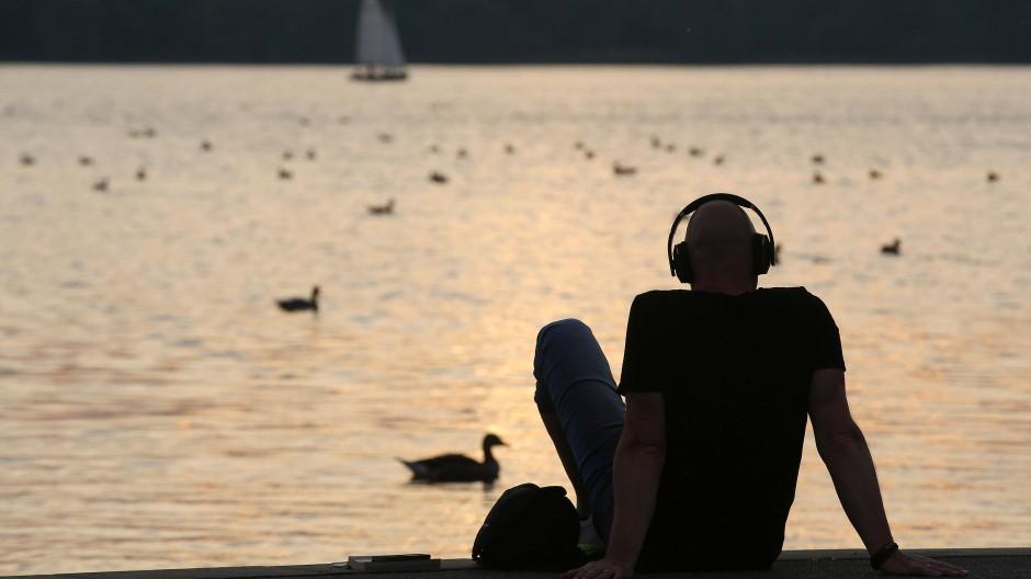 Kabellose Kopfhörer werden immer beliebter.