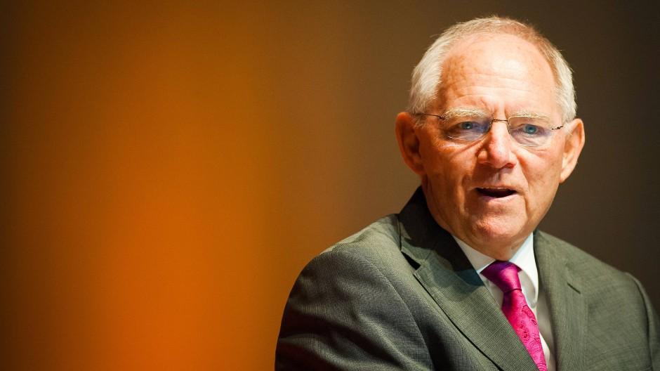 """Wolfgang Schäuble sieht keine """"wesentliche Änderung"""" des IWF-Programms. Doch der Vorbehalt des Fonds ist ein fauler Kompromiss."""