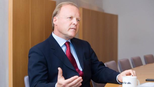 Stefan Werhahn - Der Enkel von Konrad Adenauer und designierte Spitzenkandidat der Freien Wähler für die Bundestagswahl 2013 spricht in Frankfurt mit Philip Plickert über die Euro-Krise.