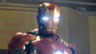 """""""Iron Man"""" hat einen Computer, der ihm stets zu Diensten ist und in vielen Bereichen hilft."""