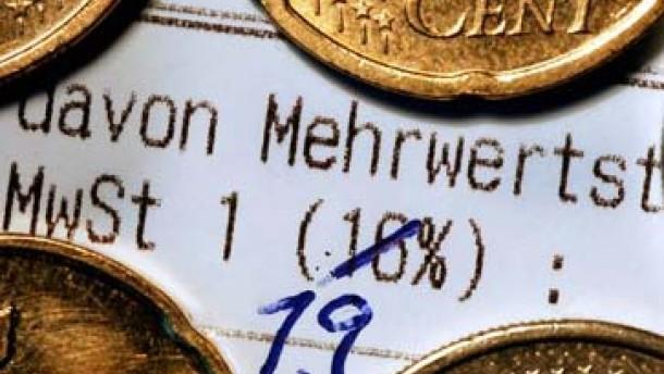 Gelockerter Kündigungsschutz, steigende Rentenbeiträge, Reichensteuer kommt