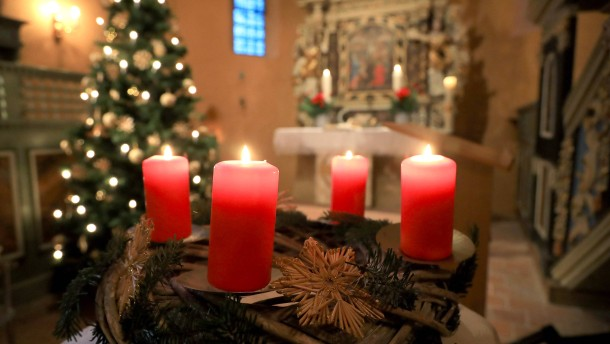 Feiert Weihnachtsgottesdienste an Schulen!