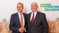 Wie viel Selbstvertrauen haben Vorstandsvorsitzende? Werner Baumann (Bayer) und Hugh Grant (Monsanto)