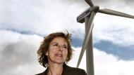 Die Dänin Connie Hedegaard fordert eine harte Kappung der EEG-Umlage.