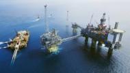 Auch die norwegische Ölgesellschaft Statoil spürt die niedrigen Preise.
