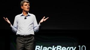 Blackberry setzt auf Facebook und Co.