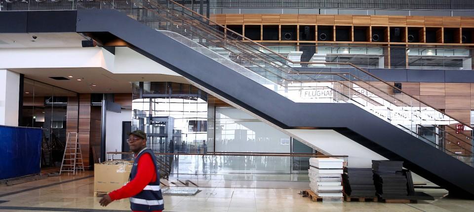Berliner Flughafen Ob Der Nächste Eröffnungstermin Wieder Platzt