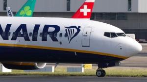 Ryanair kündigt weitere Flugausfälle an