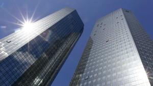 Deutsche Bank muss von Hand auf Geldwäsche prüfen