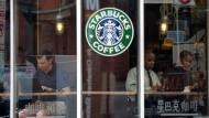 Starbucks und andere Unternehmen müssen Steuern nachzahlen.