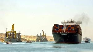 Probelauf am neuen Suezkanal