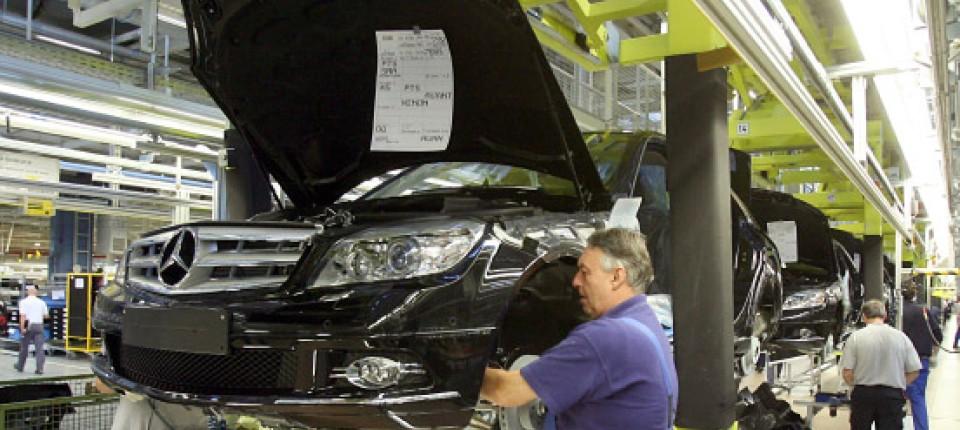 Rückgang Bei Neuzulassungen Automarkt In Europa Bricht Abermals Ein