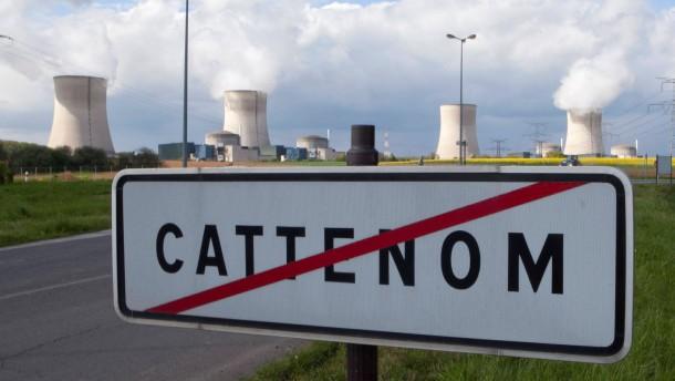 Umweltministerin des Saarlandes besucht Atomkraftwerk Cattenom