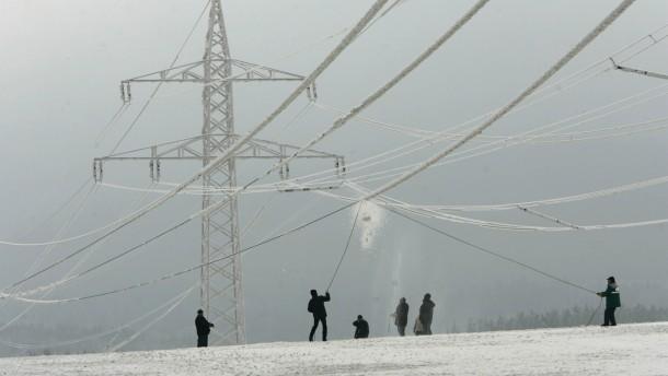 Oettinger: EU bereitet sich auf Stromengpaesse im Winter vor