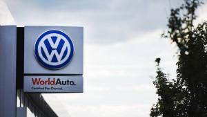 VW blitzt mit Rückrufplan für größere Autos ab