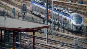 Bahnsteige einen Zentimeter zu breit für neue Züge