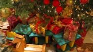Mehr Geld für Geschenke? In Werbung, PR und Beratung sieht's damit eher schlecht aus.