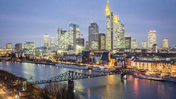 Früherer EZB-Chefvolkswirt warnt vor Leitzinssenkung