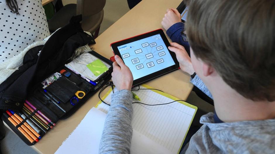 Das Unterrichtsmaterial kommt künftig vom Tablet-PC.