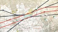 Eine Karte mit Flugrouten über dem Flughafen.