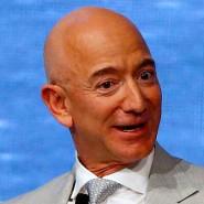 Jeff Bezos ist Gründer und Vorstandsvorsitzender von Amazon.