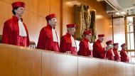 Frist abgelaufen: Die Erbschaftsteuer landet wieder bei den Verfassungsrichtern.