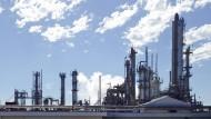 Chemie-Großfusion nimmt wichtige Hürde