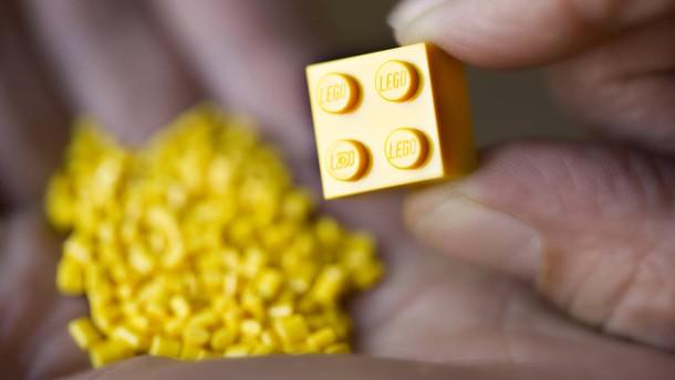 Lego tütet Steine künftig in Papier
