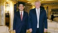Ihr erstes Treffen im November 2016, damals noch im Trump Tower: Diesen Freitag empfängt Trump Shinzo Abe im Weißen Haus.