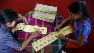Die Burmesen wollen endlich der Armut entrinnen