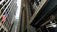 Abgeordnete sorgen sich um Trumps Beziehung zur Deutschen Bank