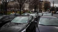 Uber muss in Frankreich 800.000 Euro Strafe zahlen, hat ein Gericht entschieden.
