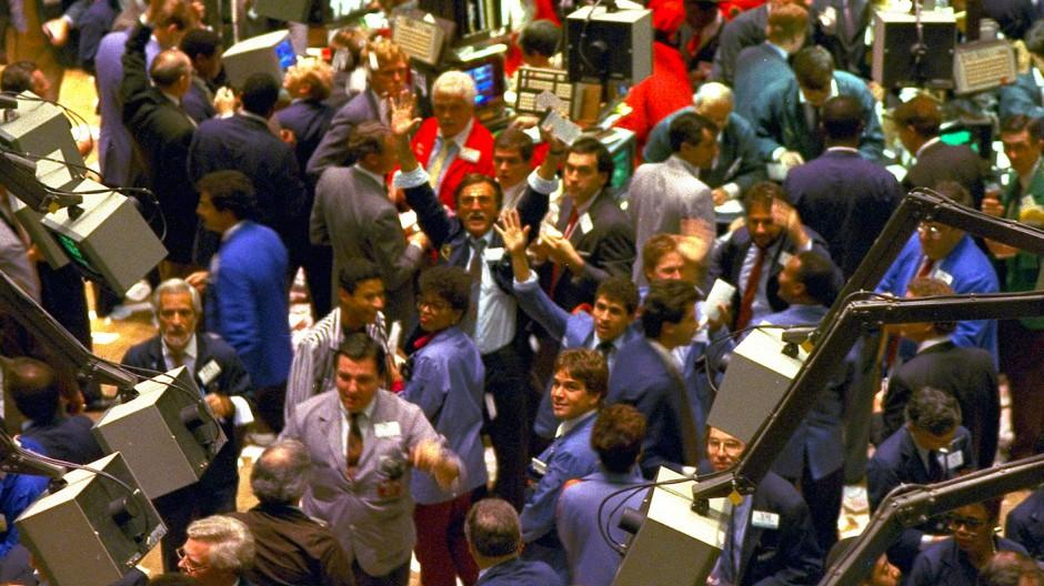 Einblick in die New Yorker Stock Exchange während des Kurseinbruchs im Oktober 1987