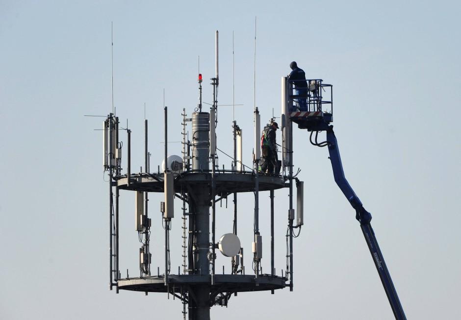 Noch zu viele Störsender: Um den Ausbau des 5G-Netzes für die Zukunft des Mobilfunks wird noch hart gerungen.