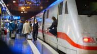 Schweizer Bahnsprecher spottet über Deutsche Bahn